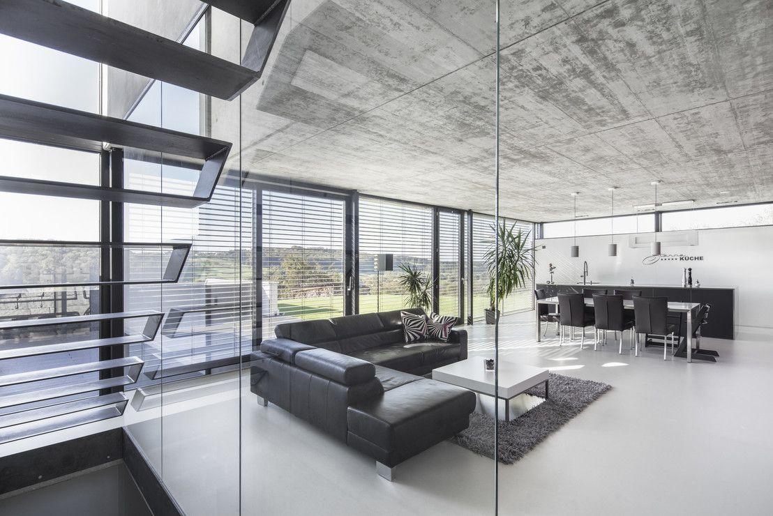 Das haus der zukunft moderne wohnzimmer einfamilienhaus for Modernes haus wohnzimmer
