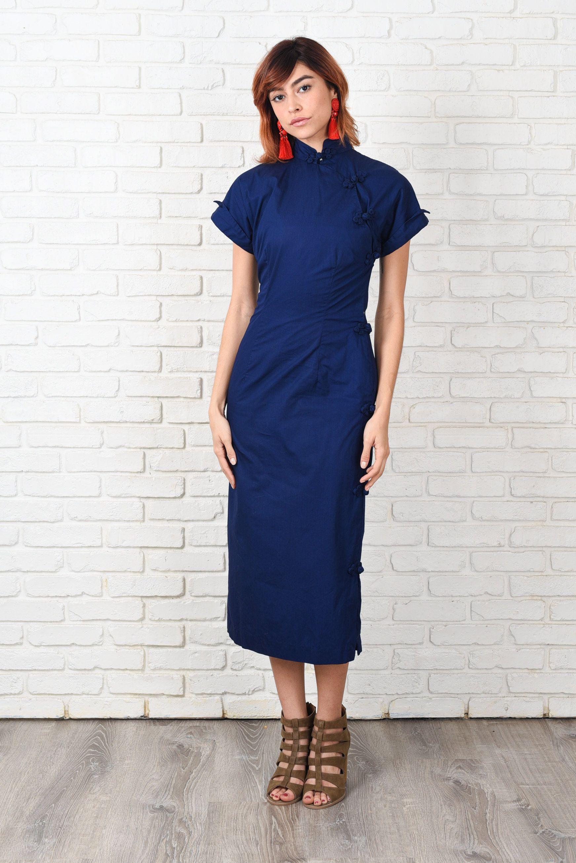 Blaues kleid stehkragen