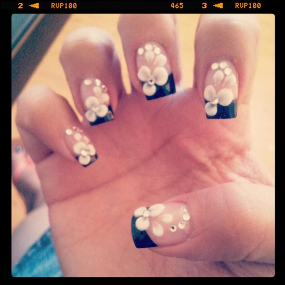 white flowers and diamond nail art. Black french tip | Makeup ...