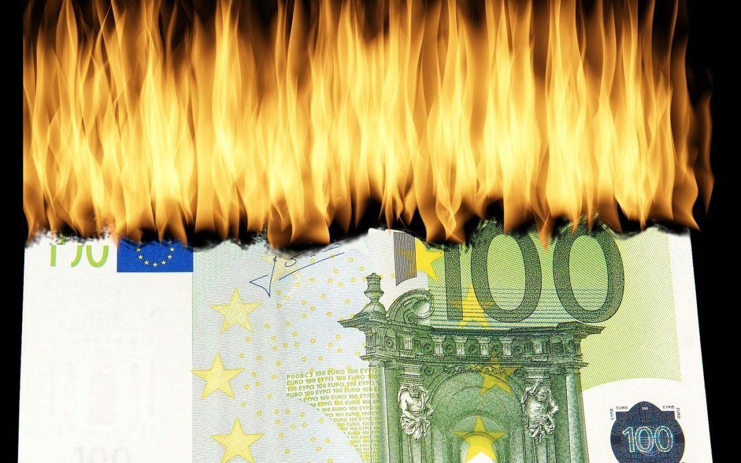 Nullzinsen Und Negativzinsen So Wird Uns Sparern Das Leben Schwer Gemacht In 2020 Valance Curtains Decor Lourdes