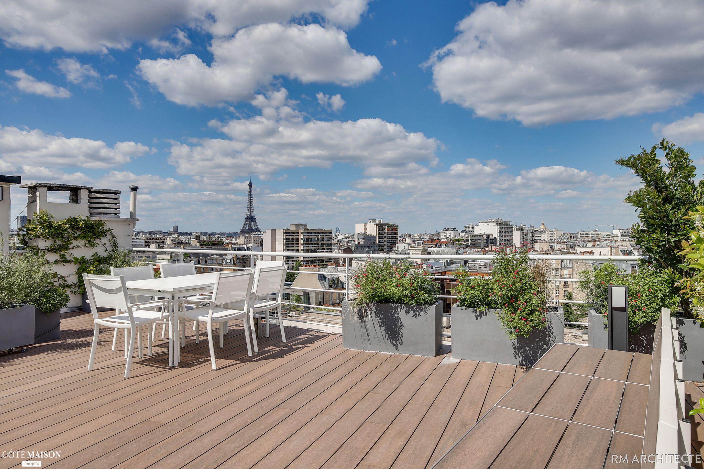 Creer Une Terrasse Tropezienne cette terrasse a été aménagée sur le toit d'un appartement
