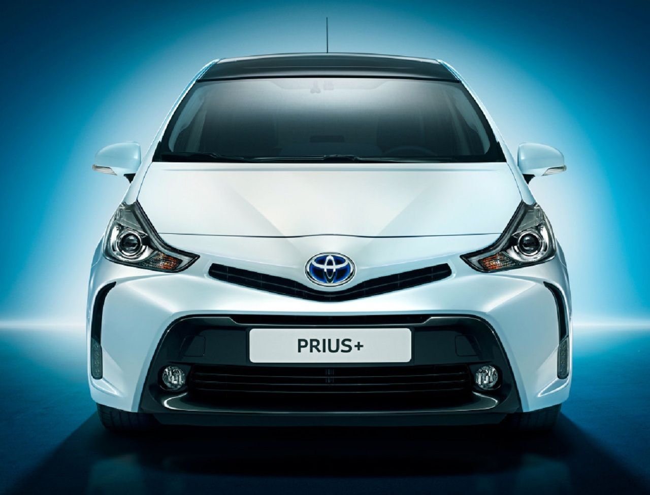 2017 Toyota Prius C Hybrid Review and Price