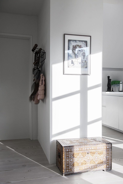 Flur Eingangsbereich einrichten dekorieren wohnen Garderobe Hang it ...