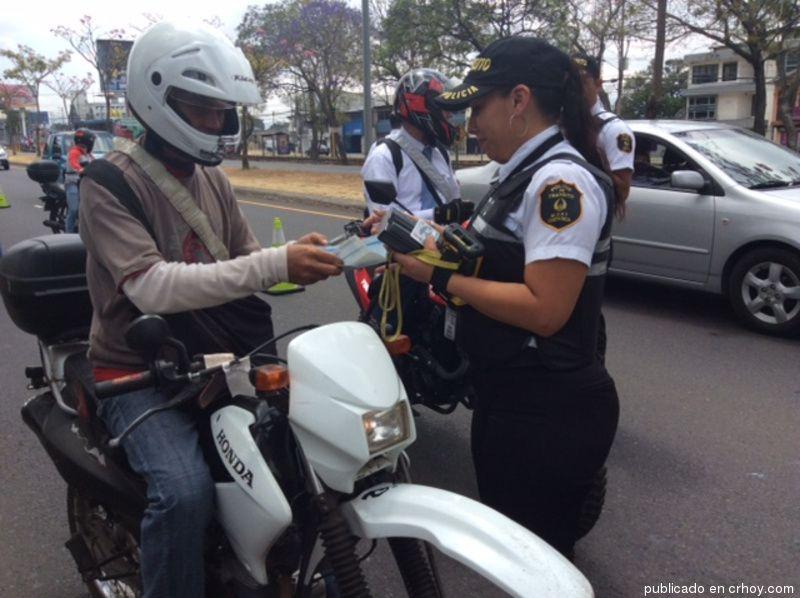Tránsito reporta 2.246 multas y 643 accidentes atendidos