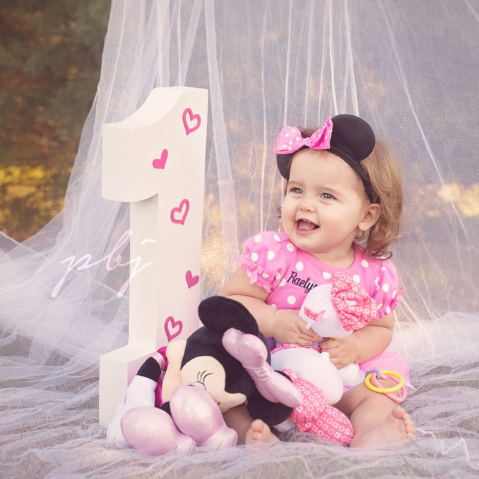 First Birthday Photo Shoot Minnie Mouse