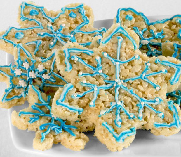 Snowflake shaped rice crispies have never been easier or more delicious thanks to this recipe from Simply Create.