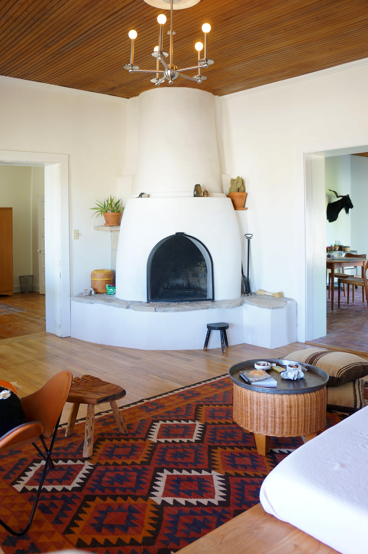 A Modern Adobe Farmhouse Home In Marfa Living