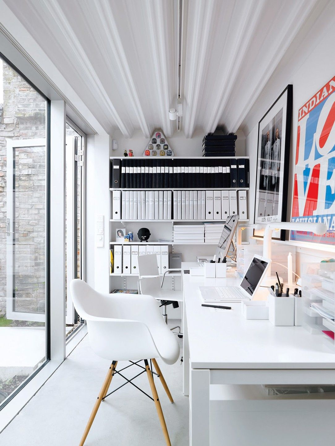 9 Smart Ways to Refresh Your Home Office Décor | Office spaces ...