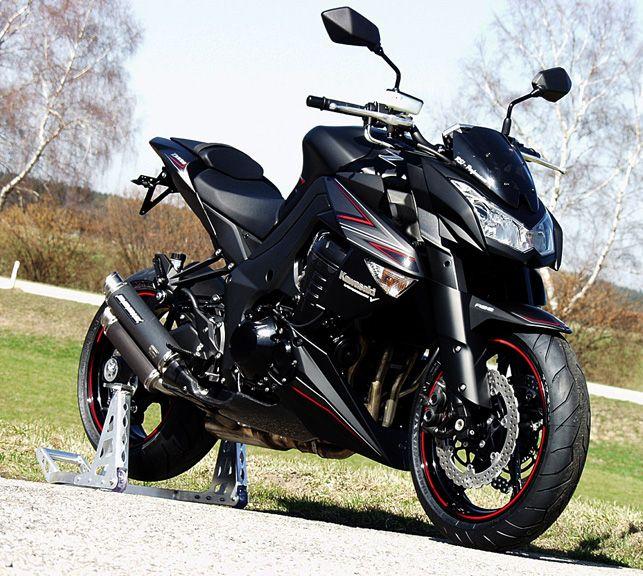 Kawasaki Z1000 Black Edition Gomme Morbide Per Una Maggi