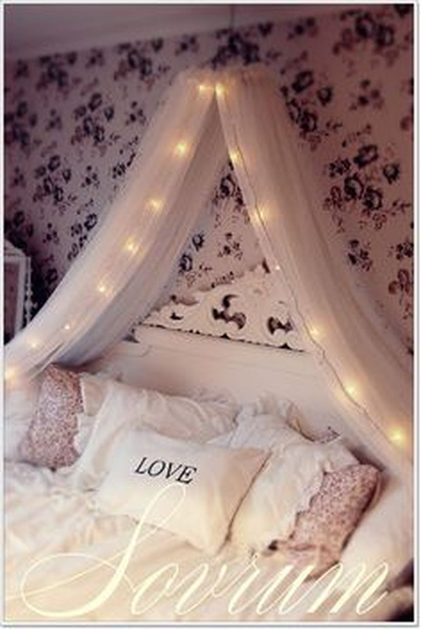 Cosy bedroom fairy lights - 60 Amazing Canopy Bed With Sparkling Lights Decor Ideas