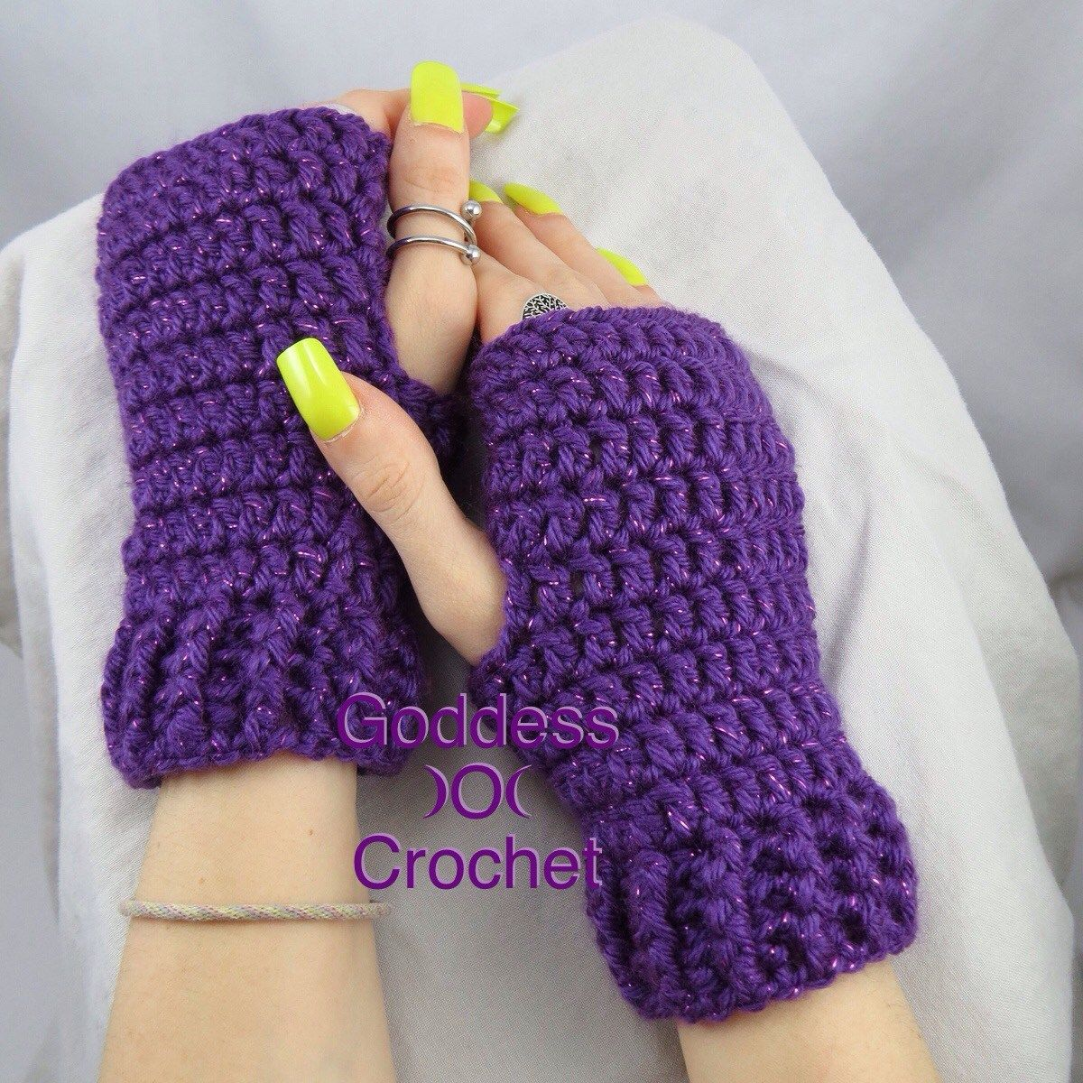 Simple Ribbed Cuff Wrist Warmers. Free Crochet Pattern. Goddess ...