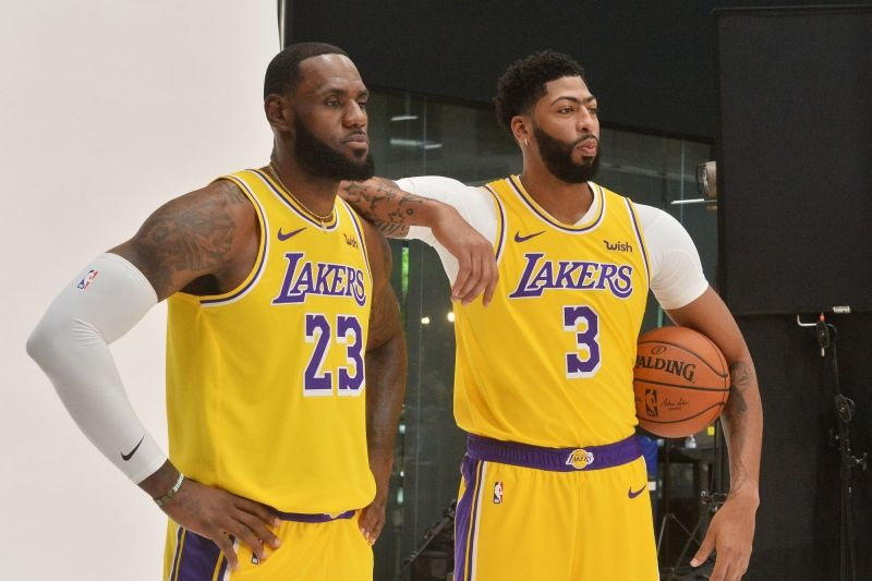 Lakers Stars Lebron James Anthony Davis To Keep Names On Back Of Jerseys Nba News In 2020 Lebron James Lebron James Poster Nba News