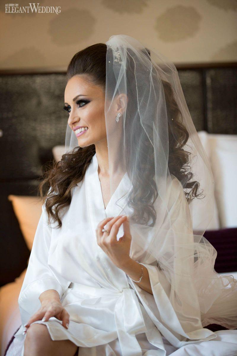 Glamorous Montreal Wedding With Pink Details Brunette Bridal