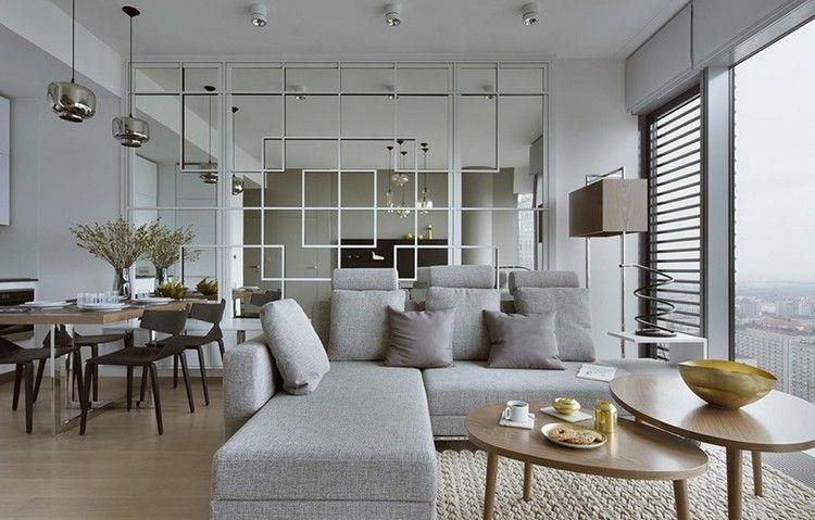 Wohnungseinrichtung Ideen Wohnzimmer Spiegelwand Graues Ecksofa Holz  Couchtische