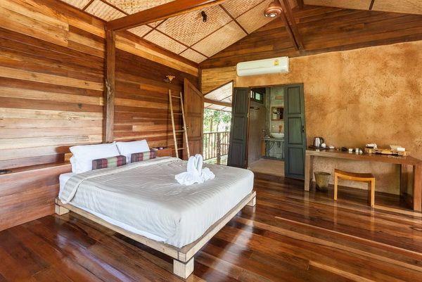 Half Concrete Half Wooden 2 Storey Resort House 4 Little