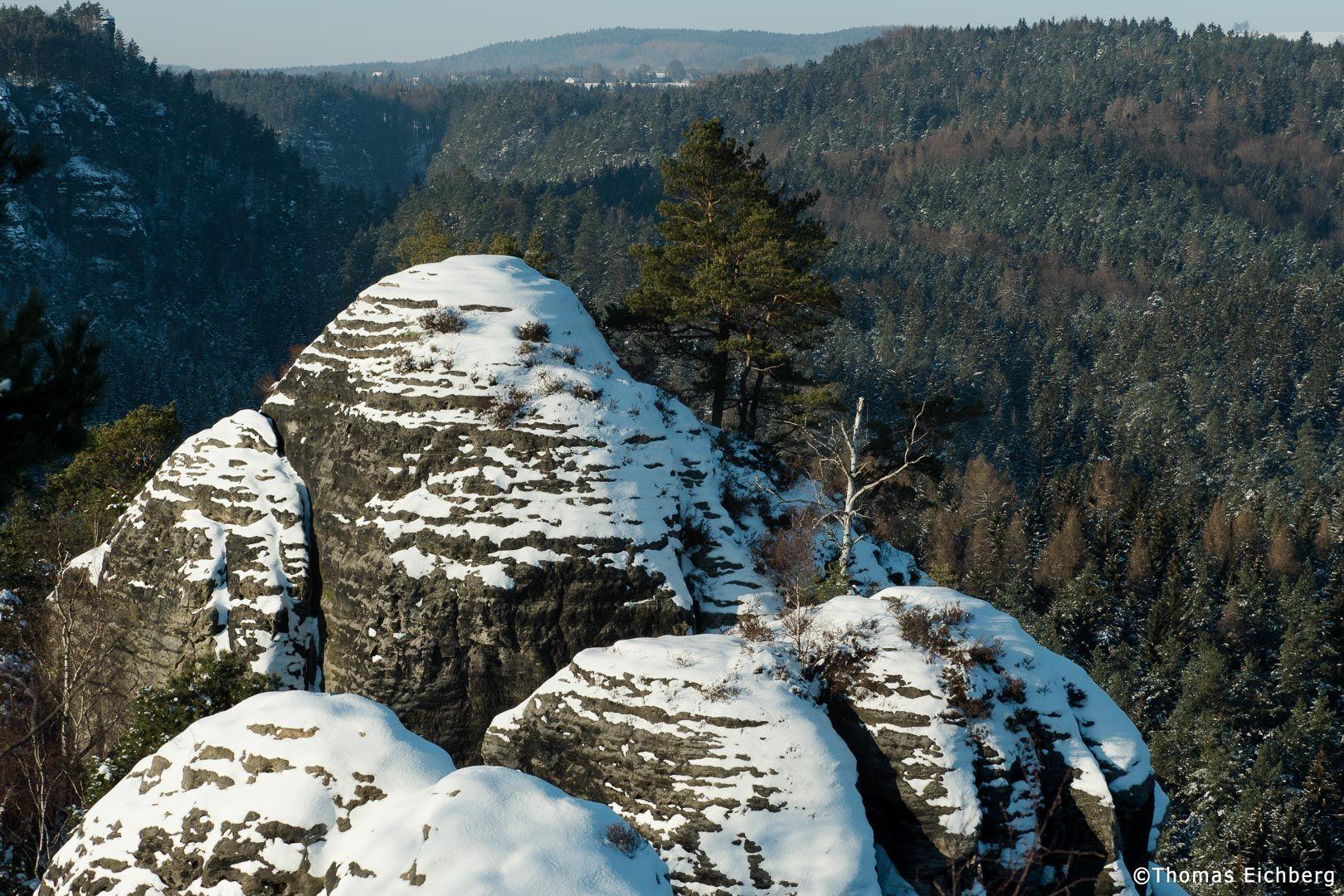 Unterwegs auf Winter-Fotowanderung im Rathener Gebiet.