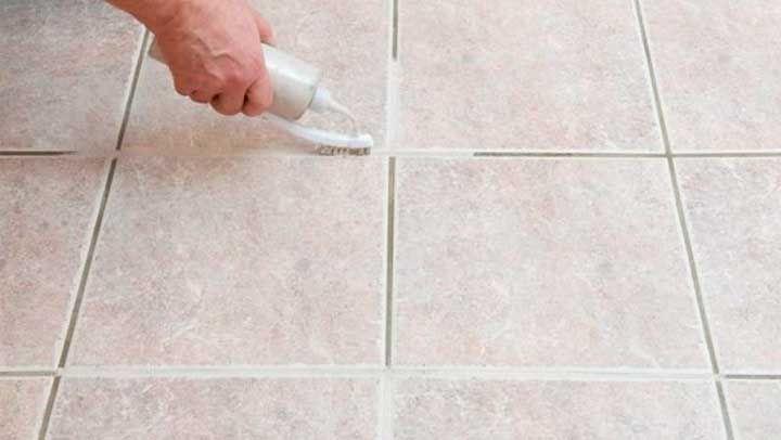 Este método limpia azulejos y es el único que realmente deja la ...