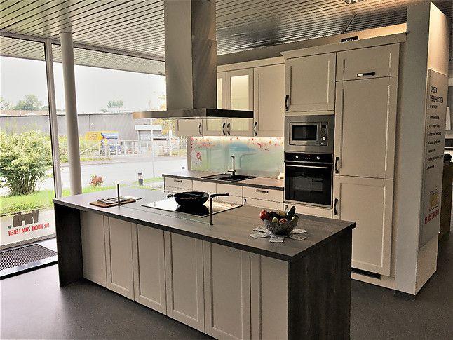 Pino musterküche landhaus küche: ausstellungsküche in herne von