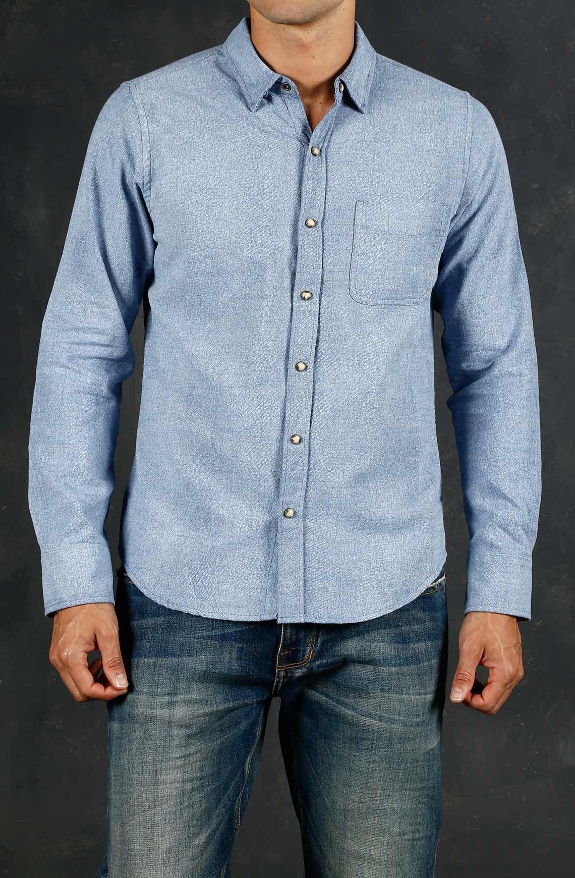 5d87340b85 Camisa Masculina Manga Larga Color Azul Con Broches Y Bolsillo. Compra en  la tienda On Line tennis.com.co - tennis