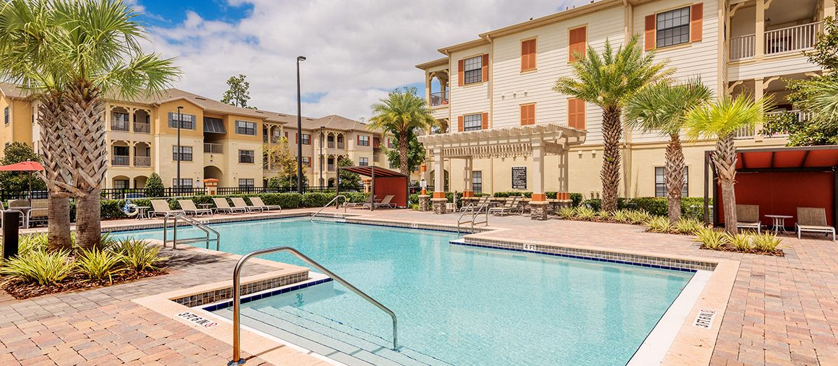 Make The Retreat At Magnolia Parke Your Next Apartment Home And Enjoy Luxury Services Like A Designer Clubroom With Java Luxury Services Gainesville Apartment