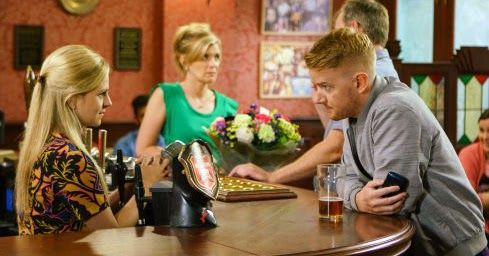 Preview of tonight's Coronation Street - Weds 9 August