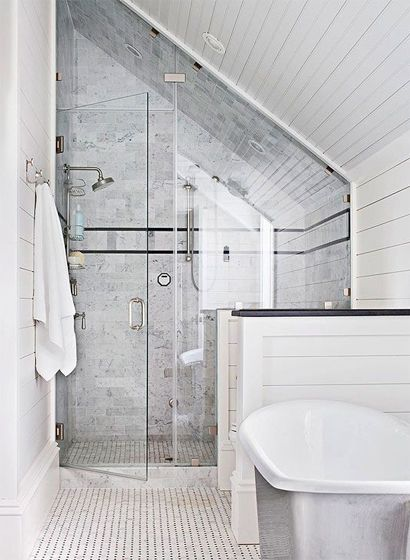 Schuine wand badkamer   Home   Pinterest - Badkamer, Slaapkamer en ...