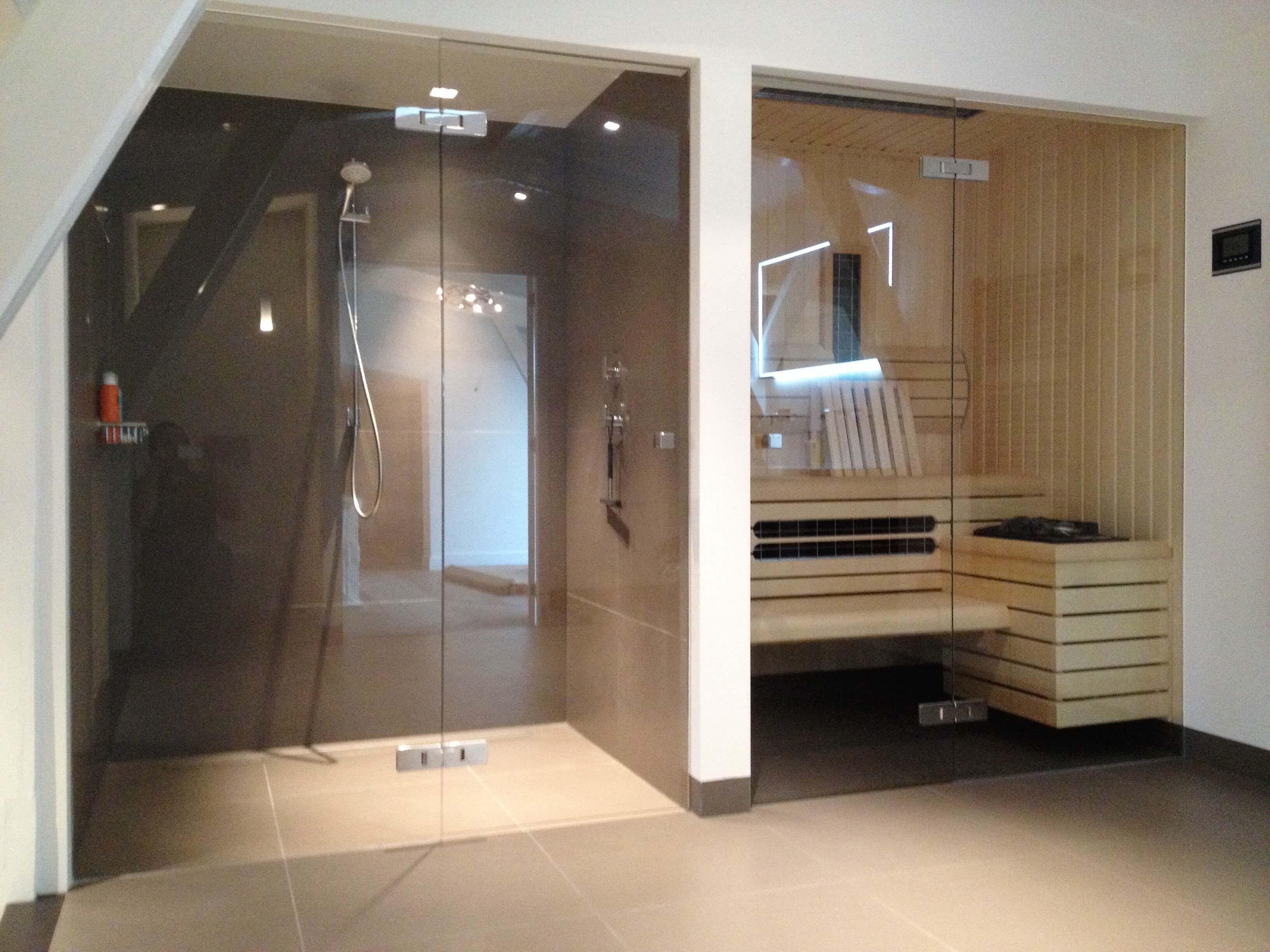 Badkamer Laten Maken : Een sauna volledig op maat laten maken in uw badkamer bij