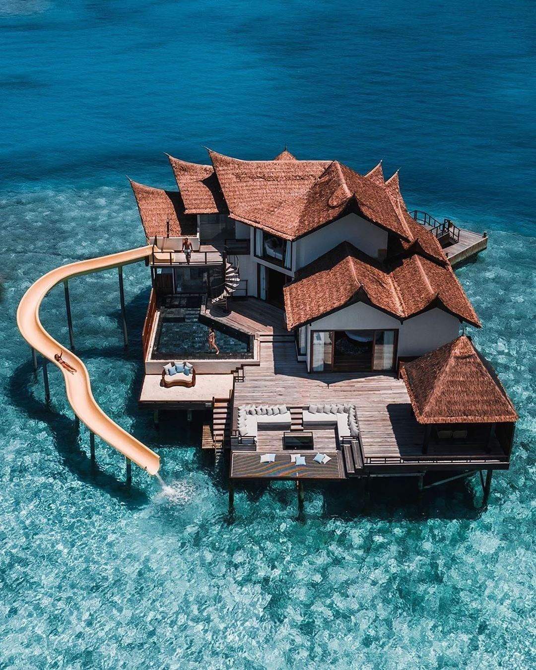Top Luxuries On Instagram Who Needs A Vacation Right About Now By Jeremyaustiin Millionaire Homes Beautiful Hotels Resort