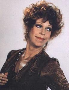 Carol Burnett As Miss Hannigan I Actually Wear My Hair This Way My Oldest Thinks I Look Like Miss Hannigan Not Car Miss Hannigan Carol Burnett Annie Musical