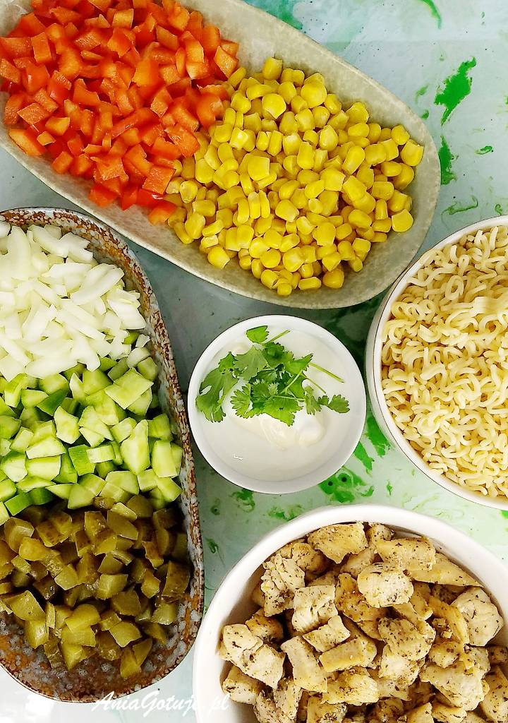 Salatka Z Zupek Chinskich Recipe Eat Food Salad