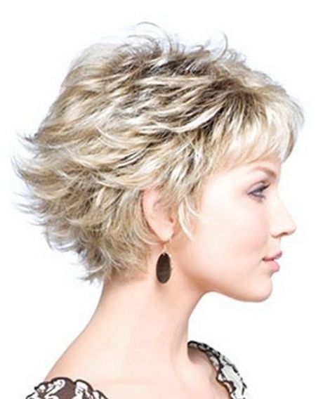 30 Trendy Short Hairstyles For Women Over 40 In 2019 Molitsy Blog Medium Layered Hair Short Layered Haircuts Short Hair Styles