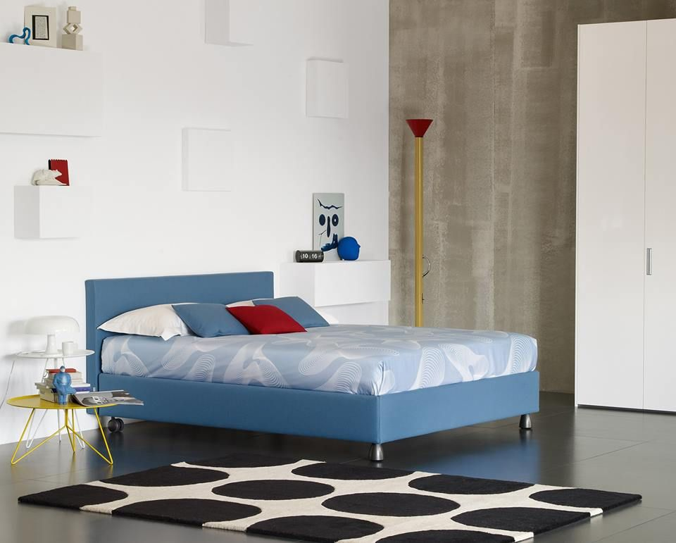 Letto Matrimoniale Flou Tadao.Bed With Simple And Essential Lines Letto Dalle Linee Semplici