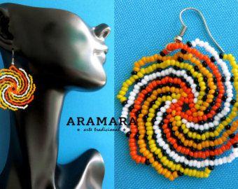 Huichol cuentas redonda arco iris aretes AR-0082 el por Aramara