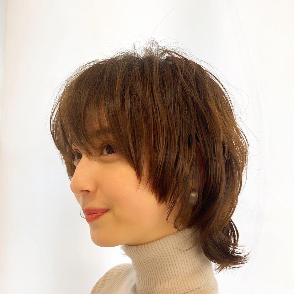 佐々木希の新しいボブヘアが可愛いと話題 髪型に合わせたおしゃれコーデにも注目 Andgirl アンドガール 可愛いヘア ショートのヘアスタイル ヘア アイディア