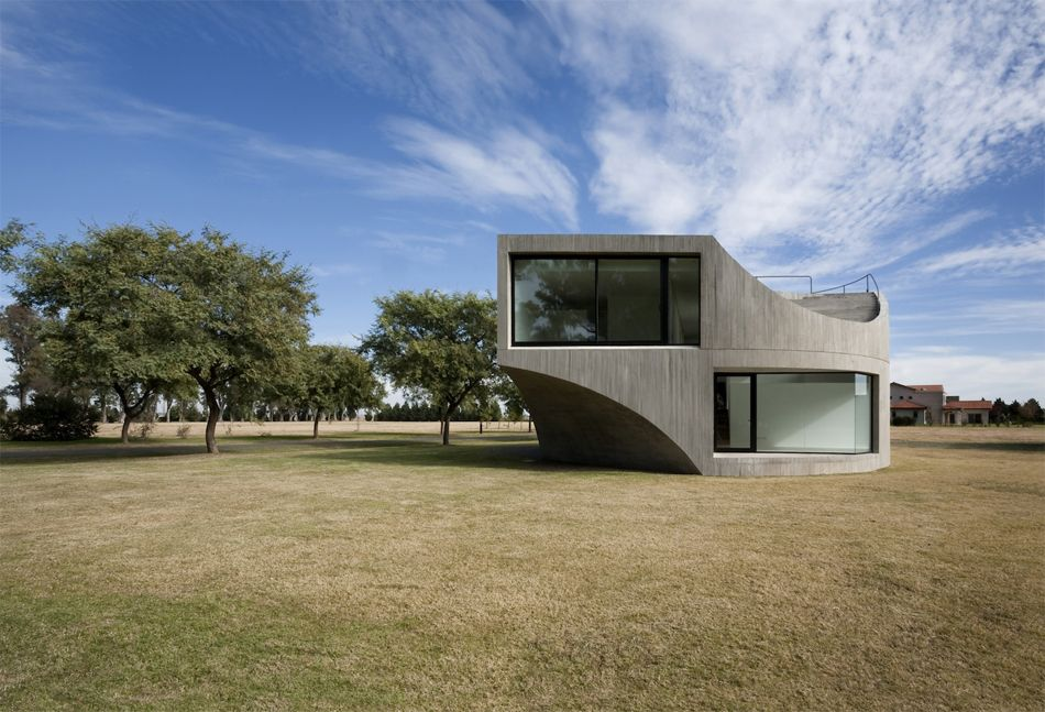 Casa View in Rosario, Argentina, designed by Diego Arraigada Arquitectos and Johnston Marklee