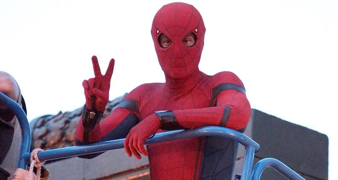 Behind the scenes of Spider-Man: Homecoming.  #spiderman #homecoming #spidermanhomecoming #tomholland #ironman #vulture #robertdowneyjr #michaelkeaton #donaldglover #marvel #comics #marvelcomics #mcu #marvelcinematicuniverse #behindthescenes