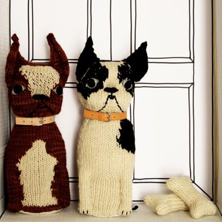 how cute is this?!  duplicate stitch for details - round bottom base - and knitted bones. . . .