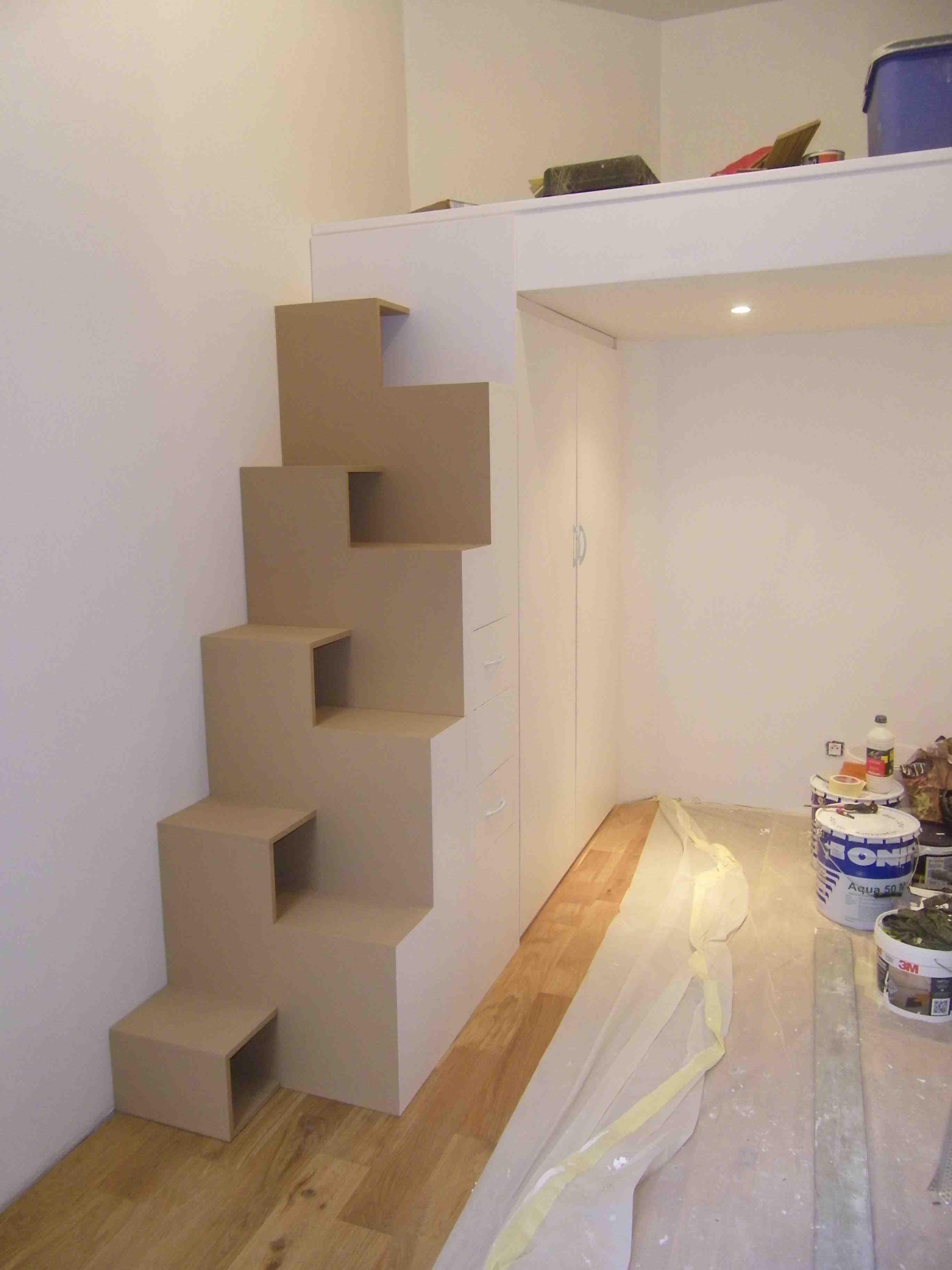 Ensemble escalier japonais & placard sous mezzanine …