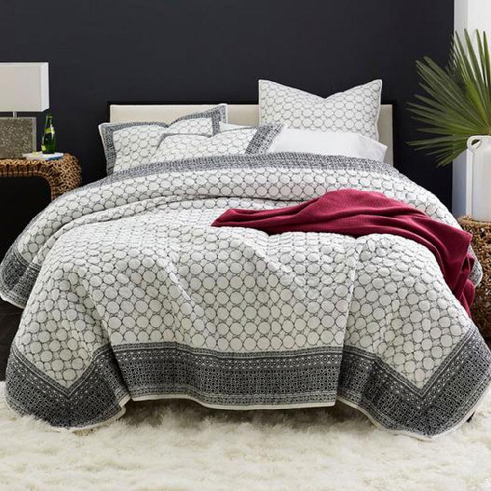 Triellage 100 Cotton Voile Quilt The Company Store Voile Quilts Queen Quilt King Quilt