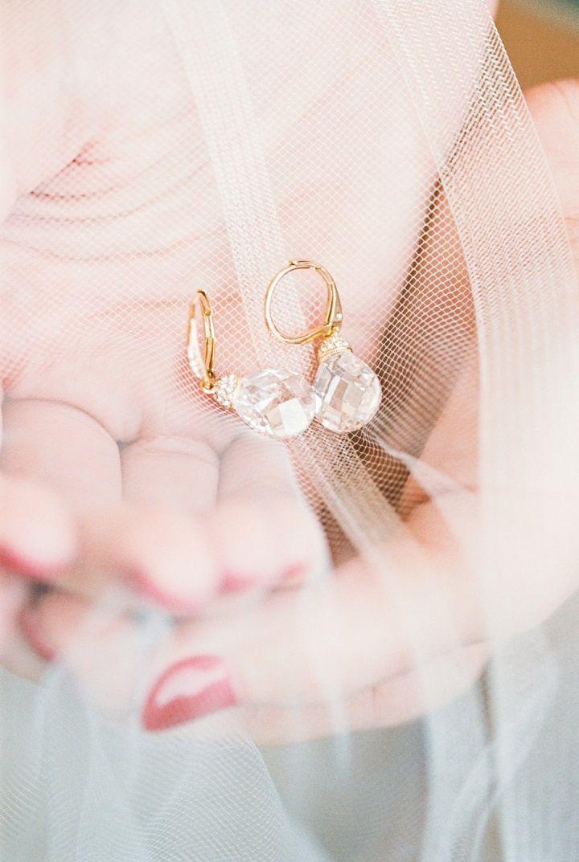 Crystal drop earrings | bridal earrings | itakeyou.co.uk #bridalearring