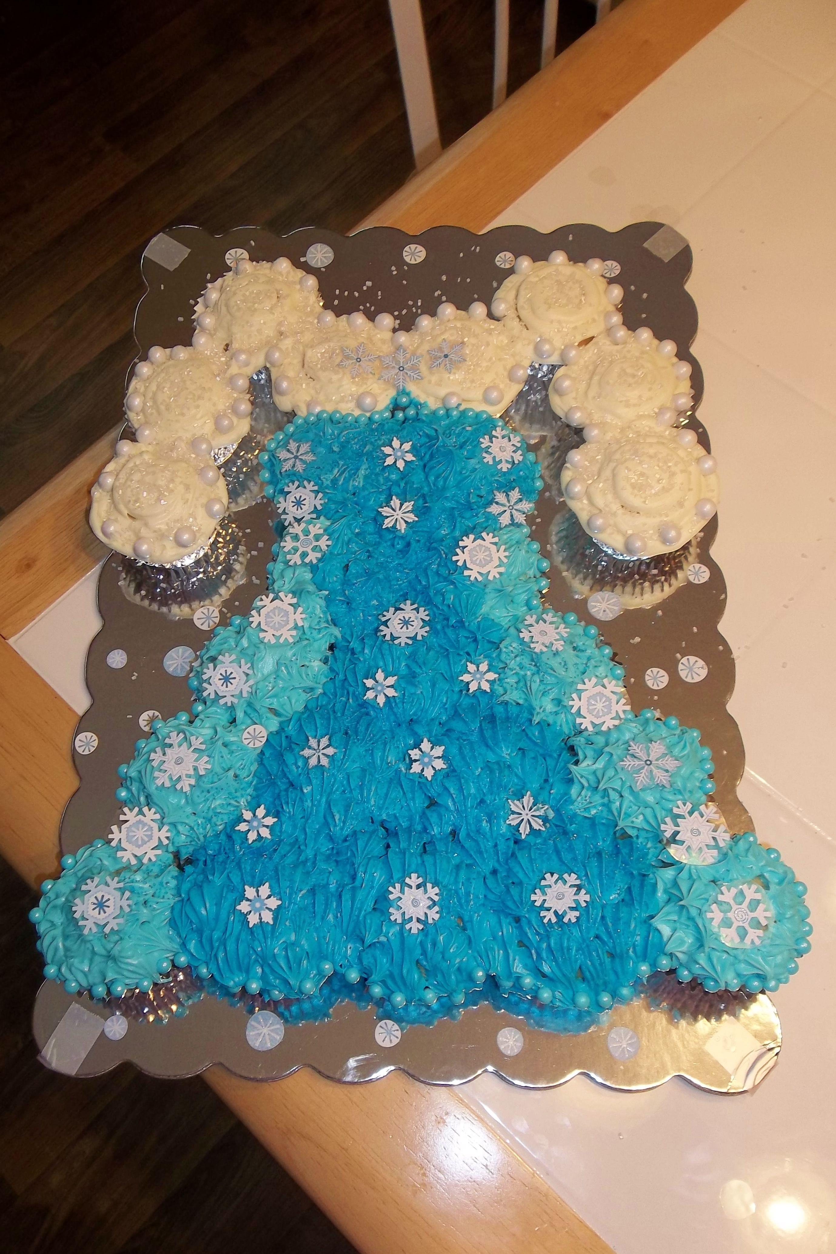 dresscupcakecakespullapartcakescupcakecakes Frozens Elsa cupcake