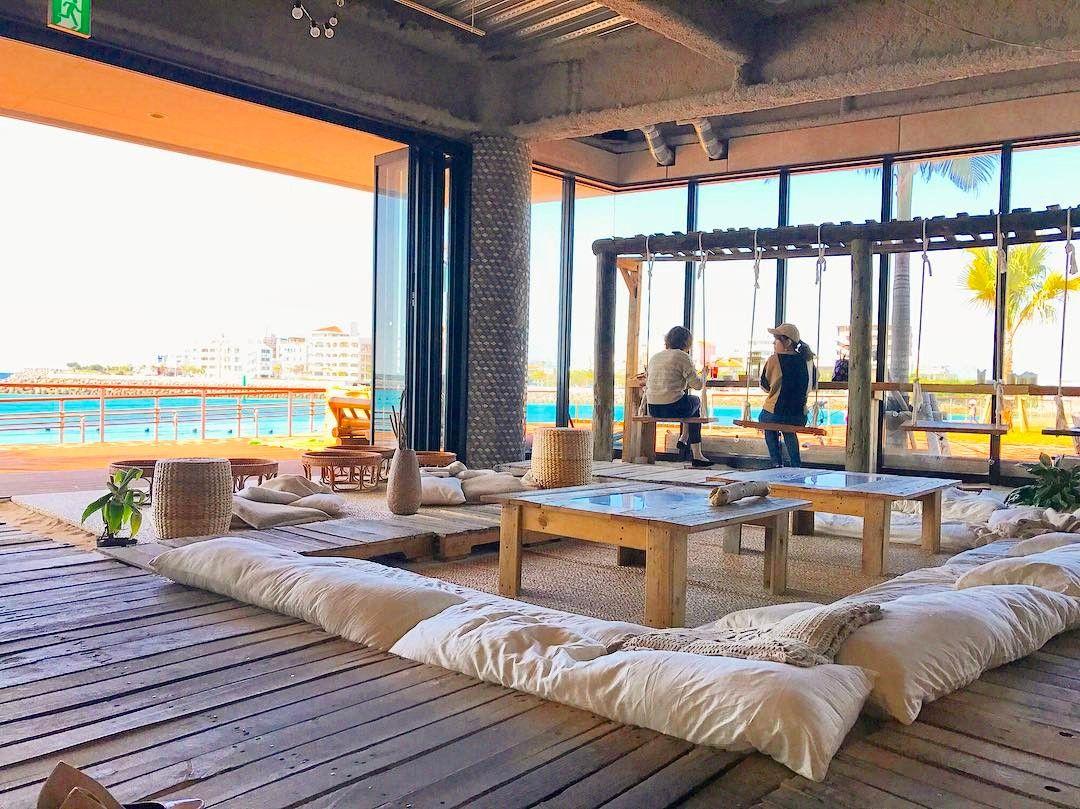沖縄には実はたくさんのおしゃれなカフェがあるんです 今回紹介する