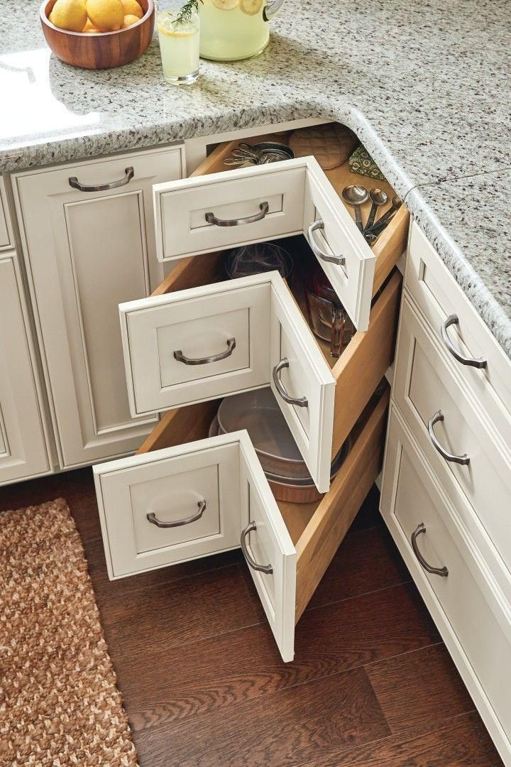 Let yourself be inspired by these innovative solutions #kitchen and #bathroom #organization ...