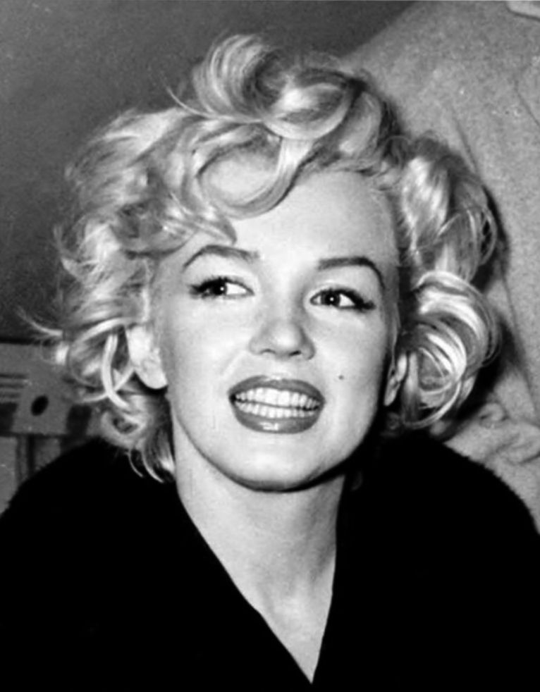 Image Result For Marilyn Monroe Movie Stills Long Hair Celebrity