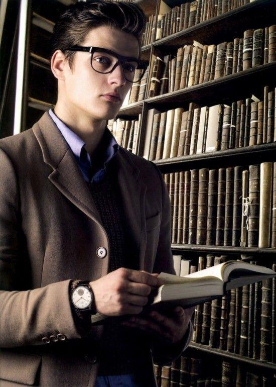 Hot guys reading   Future husband   Guys, Mens glasses, Hot guys 2f4d70973434