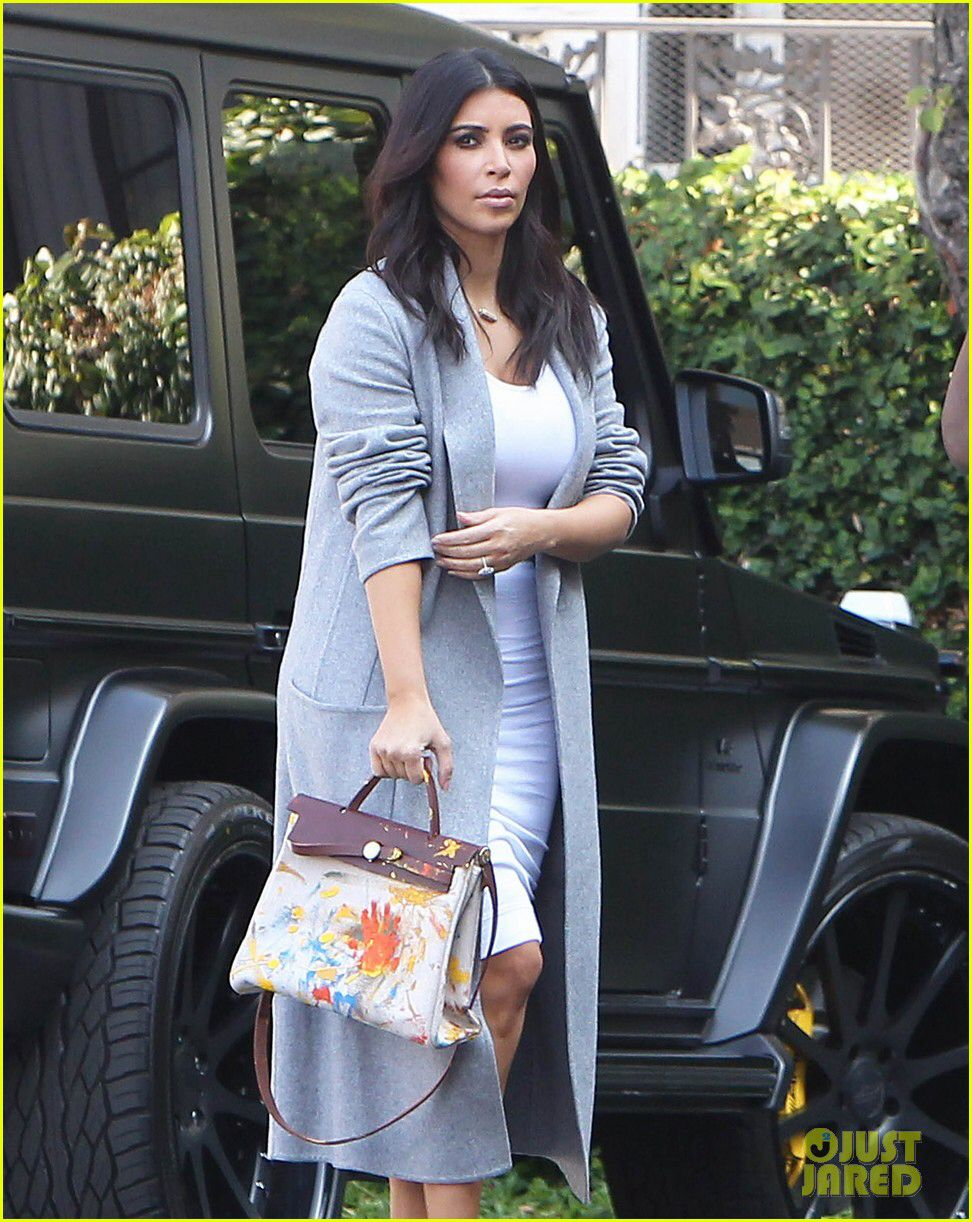 42ee93b629 See the Hermes Handbag North West Painted for Kim Kardashian s Birthday  Gift!