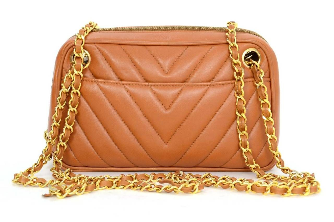 b6fddeff5e16 CHANEL Vintage  86- 88 Tan Chevron Quilted Camera Bag GHW