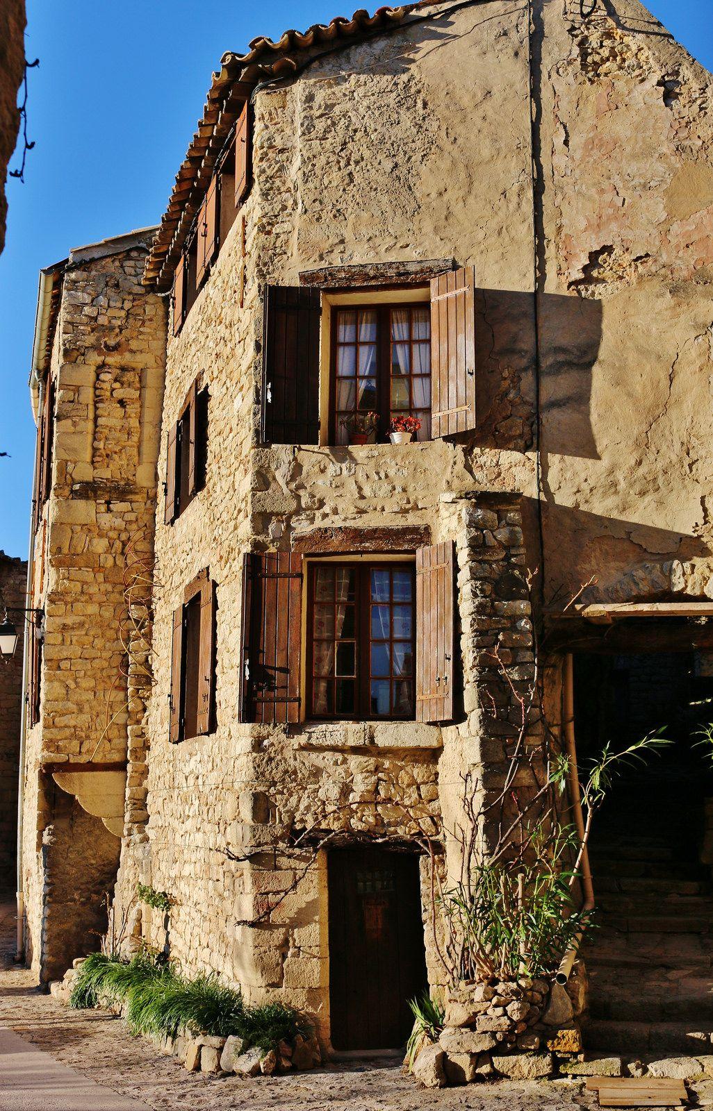 Maisons De Village Lurs Alpes De Haute Provence House Styles House Mansions