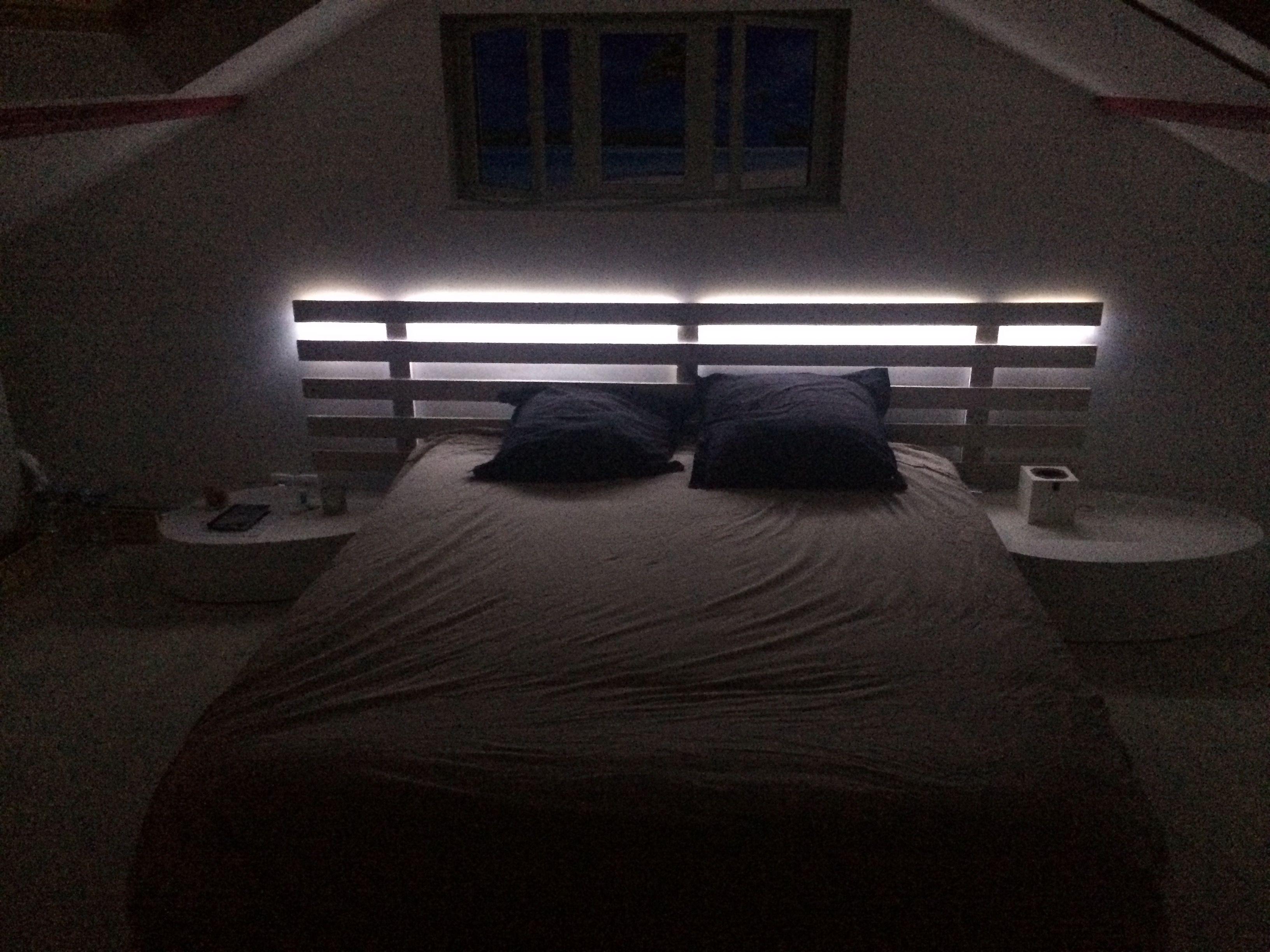 Led Tete De Lit tête de lit en bois de palette et Éclairage led | lit