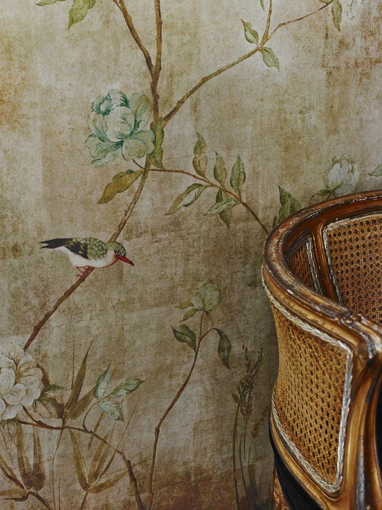 Beautiful Gold metallic Chinoiserie Wallpaper by Sidney